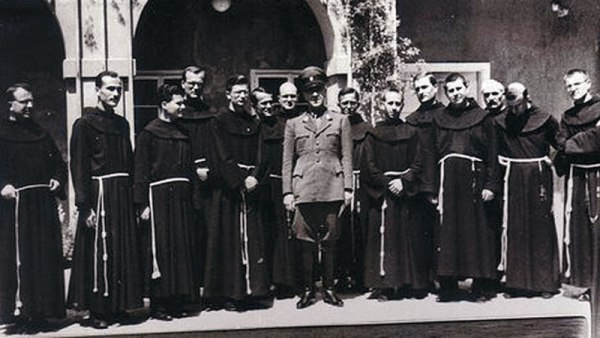 Pavelic sa Franjevcima Идентитет данашње Црне Горе базиран на антисрпству, мржњи и фалсификатима