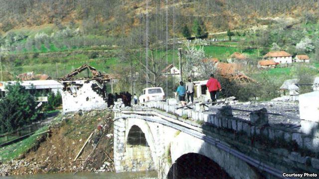 murino1 1999 Коматина: Хоће у НАТО преко гробова невине дјеце