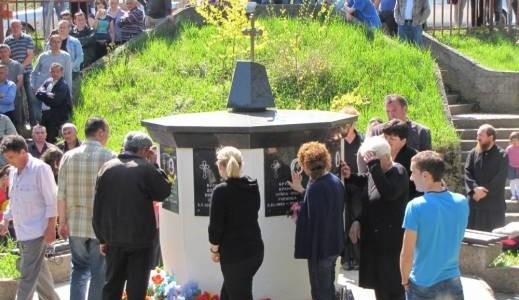 murino 519 300 Коматина: Хоће у НАТО преко гробова невине дјеце