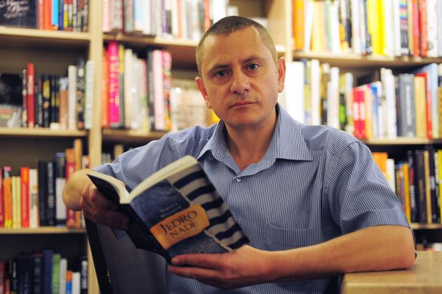 mlaovic nikola Самоубиство у српској књижевности