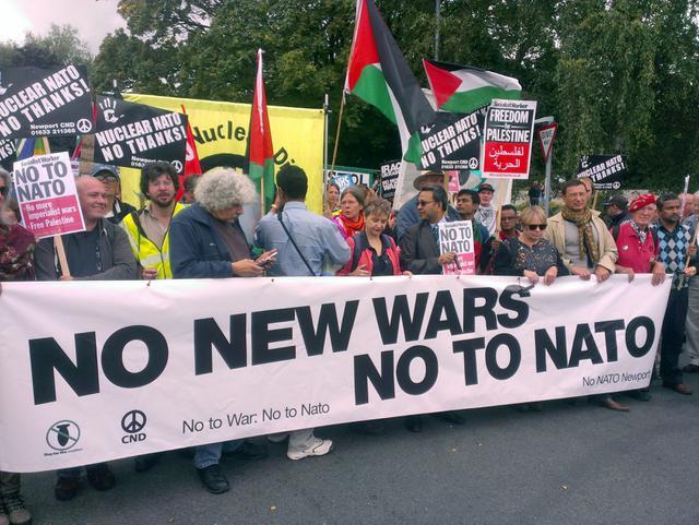 anti nato ,,Не у рат, не у НАТО: Не прихватамо извињење за једнократне употребе