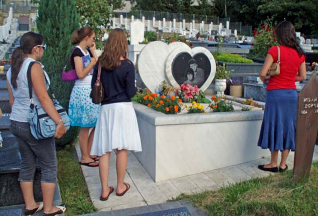 bosko i admira, grob u Srbiji