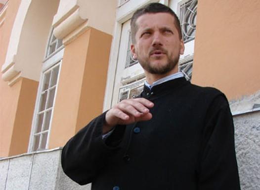 Gojko Perovic 03 Избацују Његоша и Светог Саву, а насилно убацују ЛГБТ идеологију