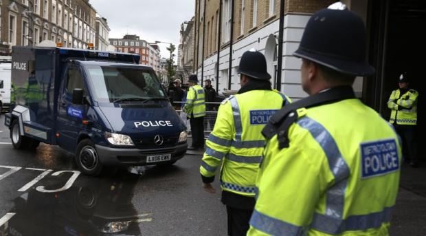 policija-london-britanija3_620x0