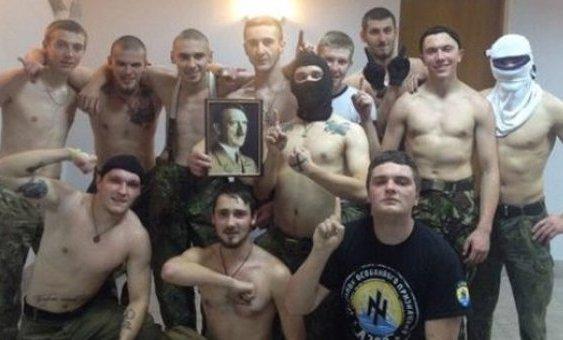 """Ukrajinski vojnici nacisti Припадници батаљона """"Азов"""": Нацисти смо, тим се дичимо"""