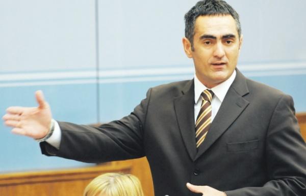 Aleksandar Damjanovic 06