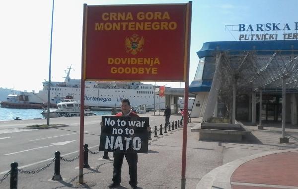 Bar NATO brod protest 02 НАТО брод непожељан гост, срамно да окупаторе дочекују као ослободиоце