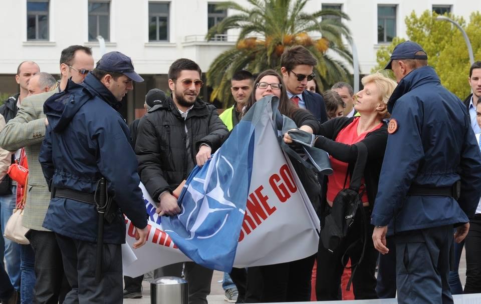 nato propaganda Славље НАТО злочинаца: Ухапшен и  повријеђен Марко Милачић