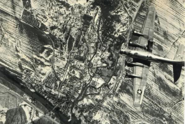 """Bombardovanje POdgorice 1944. 05 Дан кад су """"савезнички"""" авиони сравнили Подгорицу са земљом"""