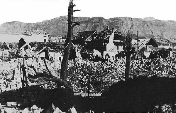 """Bombardovanje POdgorice 1944. 06 Дан кад су """"савезнички"""" авиони сравнили Подгорицу са земљом"""