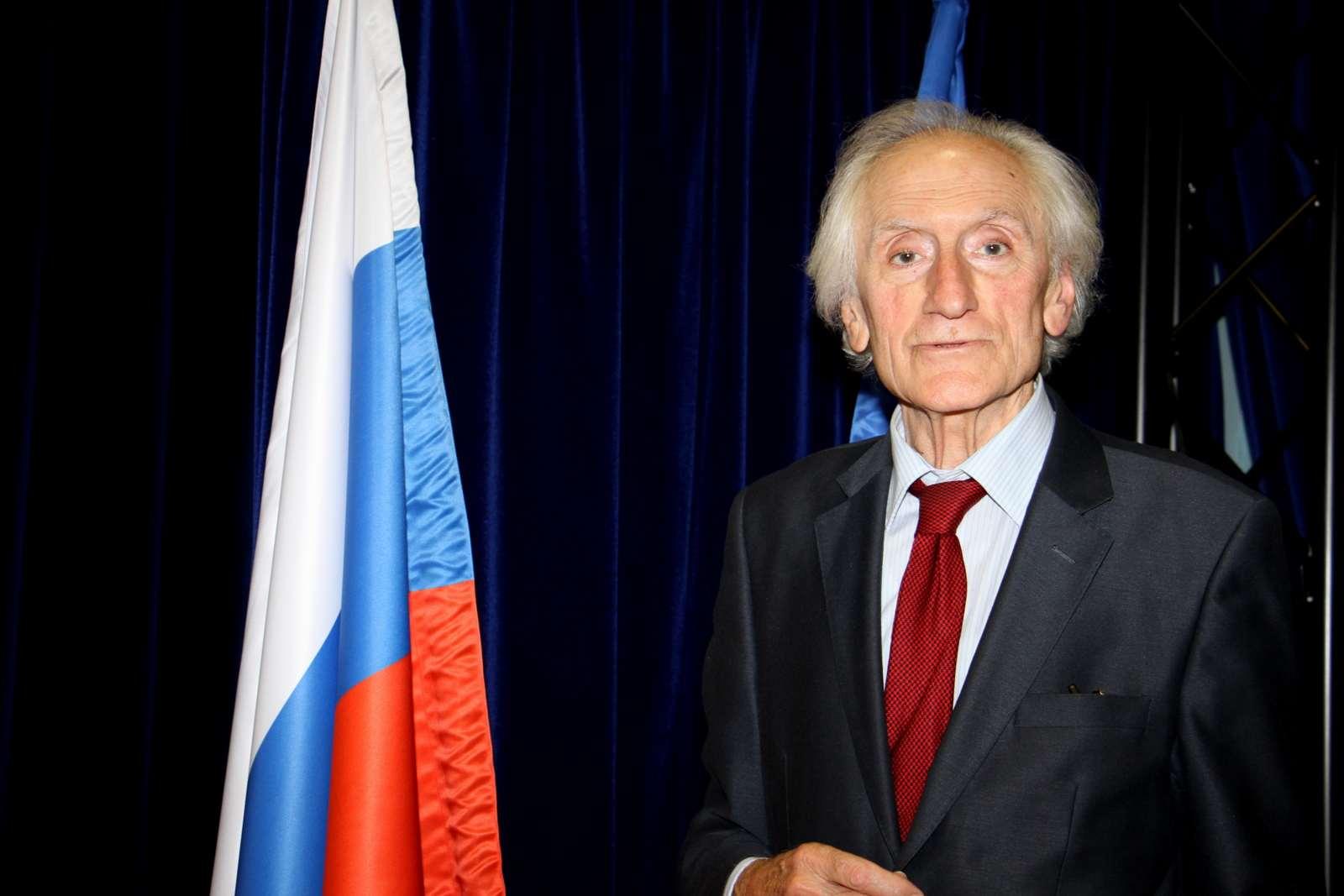 IMG 9073 001 Осам деценија Комнена Бећировића