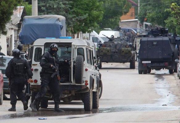 KUmanovo sukobi 03 Страховлада НАТО интелектуалаца и америчких амбасадора