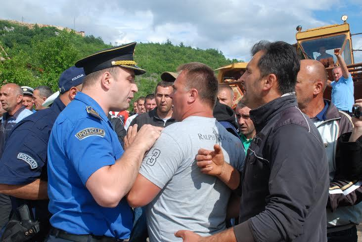 boksiti protest 1