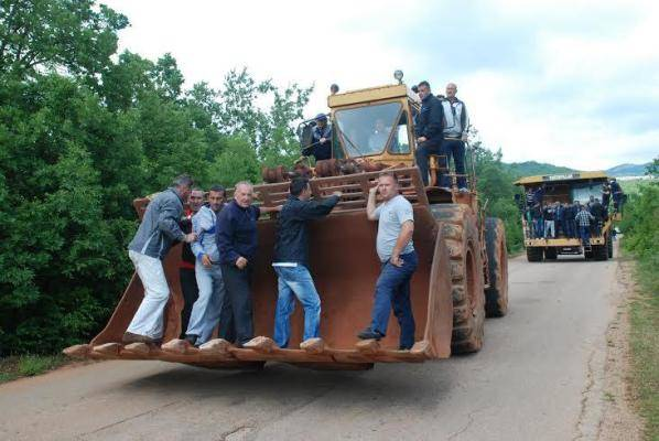 fotonk5 Рудари одбили Каварића, ноћили на барикади у Рубежу