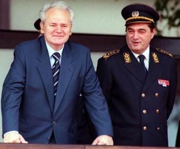 slobodan milosevic i pavkovic Генерал Лазаревић: Заплакао сам док се моја војска повлачила са Космета, знао сам да Србе остављамо агресору