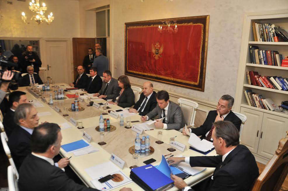 opozicija 1 Knežević: Partije koje šuruju sa Milom neće preći cenzus
