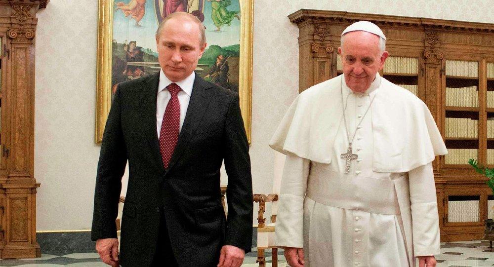 putin i papa Папа Фрања поручио: Само Путин може спасити хришћане!