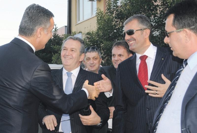 Milo Djukanovic Zoran Jelic Miomir Mugosa Мило устао против народа, а хоће ли народ против њега?