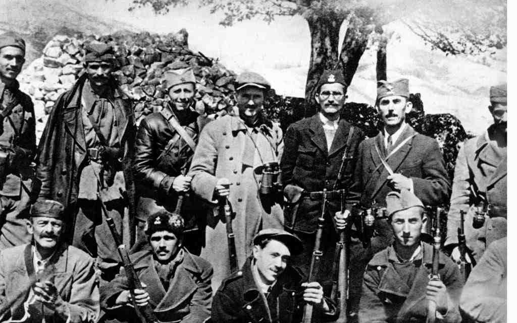 """Crna Gora ustanici 1024x641 Црногорски федералисти – """"Велика Црна Гора"""""""