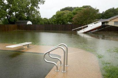 teksas.jpg 1 409x270 Тексас под водом, обала опустошена и биће још горе