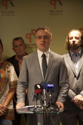 IMG 3747 273x409 Даниловић основао покрет Уједињена Црна Гора