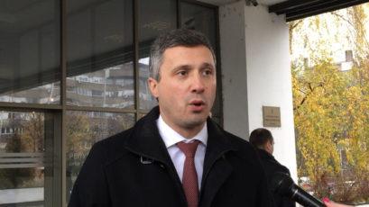 unnamed 5 409x230 Двери: Прво политичко суђење опозицији – Вучићев кум тужио Обрадовића (ВИДЕО)