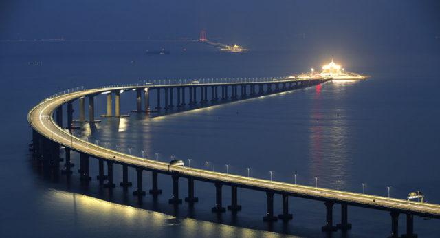Zanimljivi putevi, staze, ceste - Page 2 Najduzi-most-na-svijet-640x346