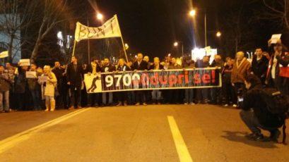 Протест 97000дупри се: Нема здравог ткива у ДПС-у! (ВИДЕО)