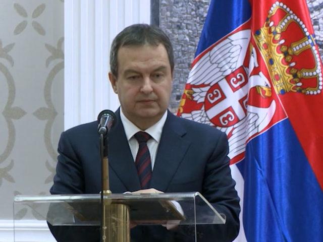 Дачић: Одлазак Харадинаја у Хаг претворен у политичку фарсу