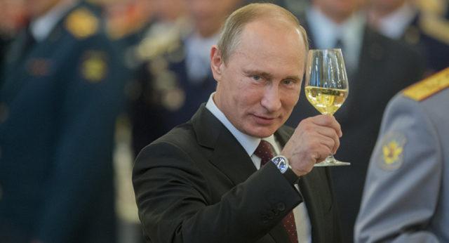 Путин заявил: Россия готова производить вакцины в других странах